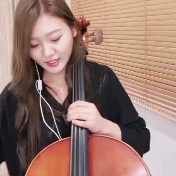 🎻大提琴女孩艾蜜莉❤️